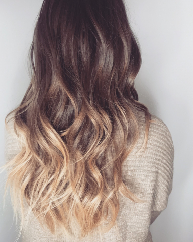 Locken berlin, beach waves, firsur berlin, frisur bestellen, waves, glowy waves, hollywood waves, hair styling