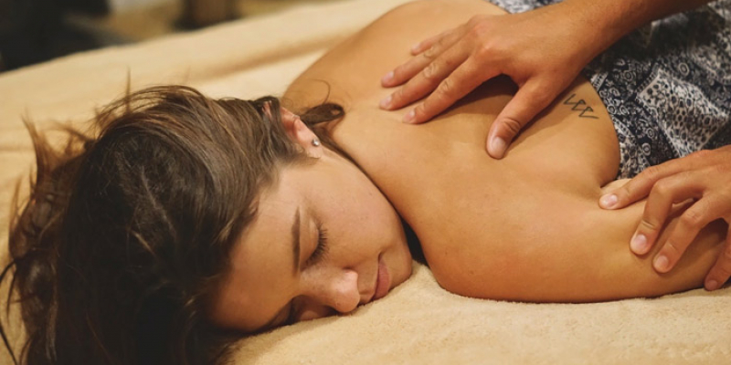 Stress Detox Massage
